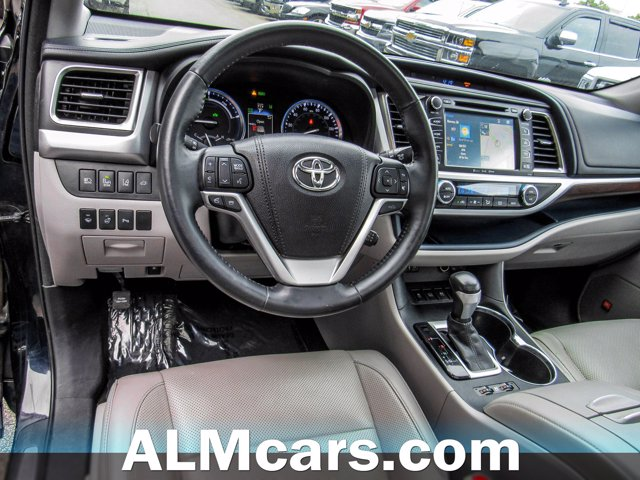 Pre-Owned 2016 Toyota Highlander Hybrid Limited Platinum